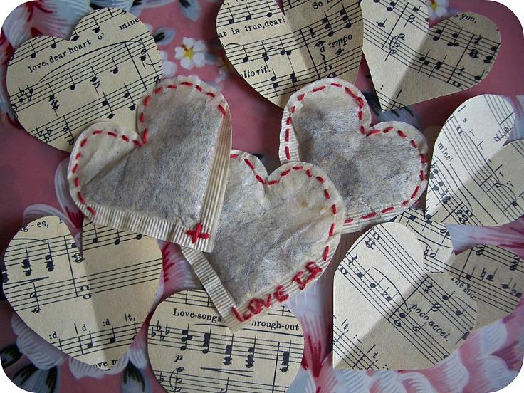 Hartjes van saaie theezakjes naaien hearts teabags