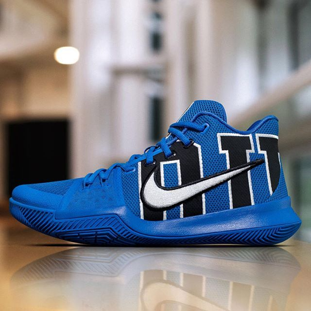 Apparently Kyrie Irving skipped Earth Science during his time at Duke. Still, Nike is releasing this college-inspired colorway of the #Kyrie3. For more details, flip through the gallery above: tap the link in our bio for more info. #kicks #instatag #sneakerfreak #kicksonfire