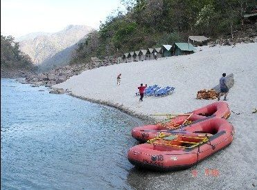 Pugmarks offers cherishable camping experience to youngsters in wildlife, trekking and adventure. We conduct Rafting, Trekking, Wildlife and other adventure tours all over India.