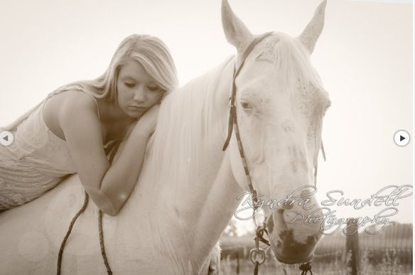 Country senior pictures #country #horsd #girl