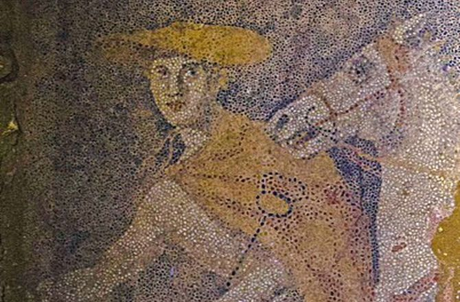 The chariot is pulled by two white horses and is led by Hermes, wearing a petosos (a type of hat) , a cloak, his winged shoes and carrying a caduces. The god, Hermes, led the soul of the dead from the body to the Underworld. Stunning Mosaic Floor Uncovered in Greece's Mystery Tomb : Discovery News