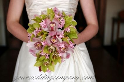 Свадебные букеты ( из орхидей - каскадные № 1 ) wedding bouquet52 -- I really like this, but maybe with brighter pink orchids?
