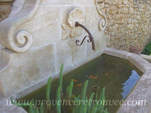 Les 25 meilleures id es concernant fontaine en pierre sur pinterest fontaines de jardin - Bassin fontaine leroy merlin aixen provence ...