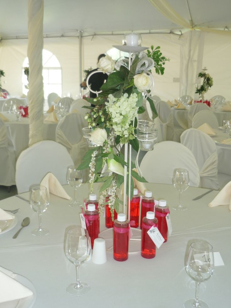 Centre de table, mariage, Fleurs naturelles, rouge et blanc, Le jardin d'Andrée-Anne, www.lejardin.ca