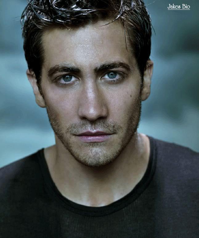 Jake Gyllenhaal - goofy, creepy, rugged, doesn't matter - He's always sexy!