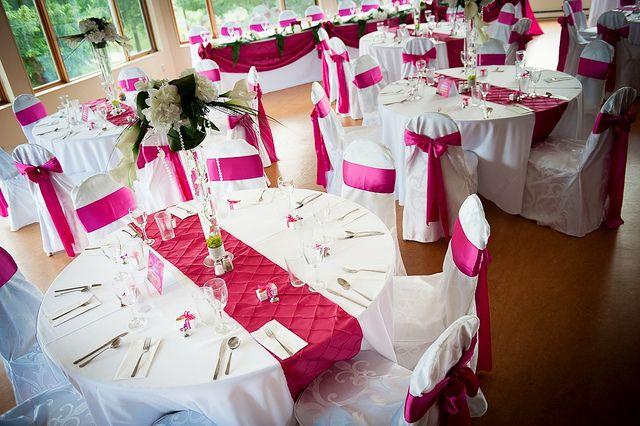 Salle de réception pour une centaine d'invités, pour mariage ou autre grande réception au Parc Marie-Victorin de Kingsey Falls!