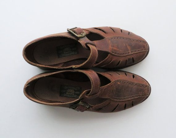 90s Leather Fisherman Sandals ROOTS T-Strap by RuseDreamVintage