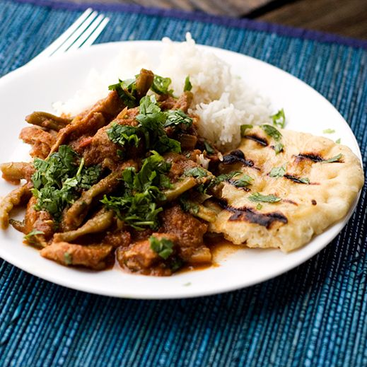 EASY weeknight dinner: Crock Pot Chicken Vindaloo and Garlic Naan. Thank you Chaos in the Kitchen    http://chaosinthekitchen.com/2010/01/chicken-vindaloo-and-garlic-naan/#