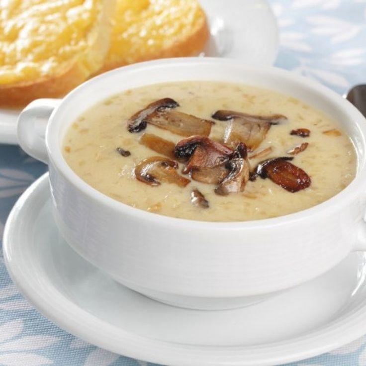 Świeże, pachnące pieczarki, aromat gorącej zupy, energia płynąca ze wspólnie jedzonych posiłków… Lubimy to! Dlatego jedną z naszych ulubionych zup jest zupa pieczarkowa...