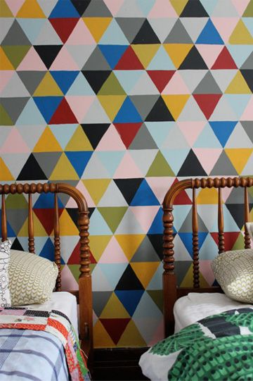dos family: Modern Interiors Design, Wall Patterns, Wall Murals, Paintings Wall, Geometric Wall, Spools Beds, Graphics Patterns, Kids Rooms, Diy Wallpapers