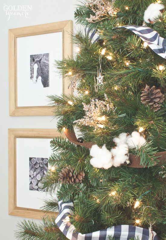 Rustic Christmas Tree With Cotton Bolls And German Statice