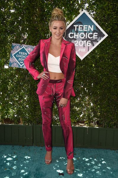 Chloe Lukasiak: Actress/Dancer wore a Blazer (Moschino), Casual trouser (Moschino ), Heels (Miu Miu), Ring (Henri Bendel), Hair (Lucy Gedjeyan), Makeup (Elena Ramirez) | Teen Choice Awards 2016 The Forum on July 31, 2016 in Inglewood, California.