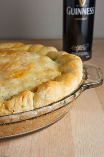 Gotta make this for my dad :) A steak and ale pie!! Maybe add mashed potatoes to it!