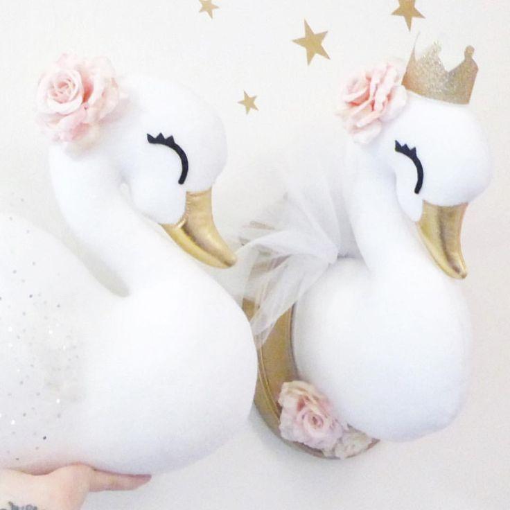 ✨A couple of beautiful Swans that are going all the way from Sweden to Kanada ✨ . . . #idaskreativa #barnrum #kidsroom #girlsroom #köp #unik #handgjord #inredning #swan #swans #swanplush #handmade #handmadeswan #nursery #nurserydecor #nurseryideas #nurseryart #svan #svanar #dekoration #decor #väggdekor #barntavla #djurhuvud #djurtrofe #animaltrophy #fauxtaxidermy #fauxanimalheads #fauxtrophy #swanhead Handmade swan head pillow plush diy pattern sewing tutorial Wall decor swanhead faux