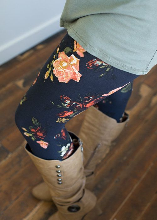 Boutique, Online Boutique, Women's Boutique, Modern Vintage Boutique, Leggings, Fitted Leggings, Floral Leggings, Dark Blue Leggings, Cute, Fashion