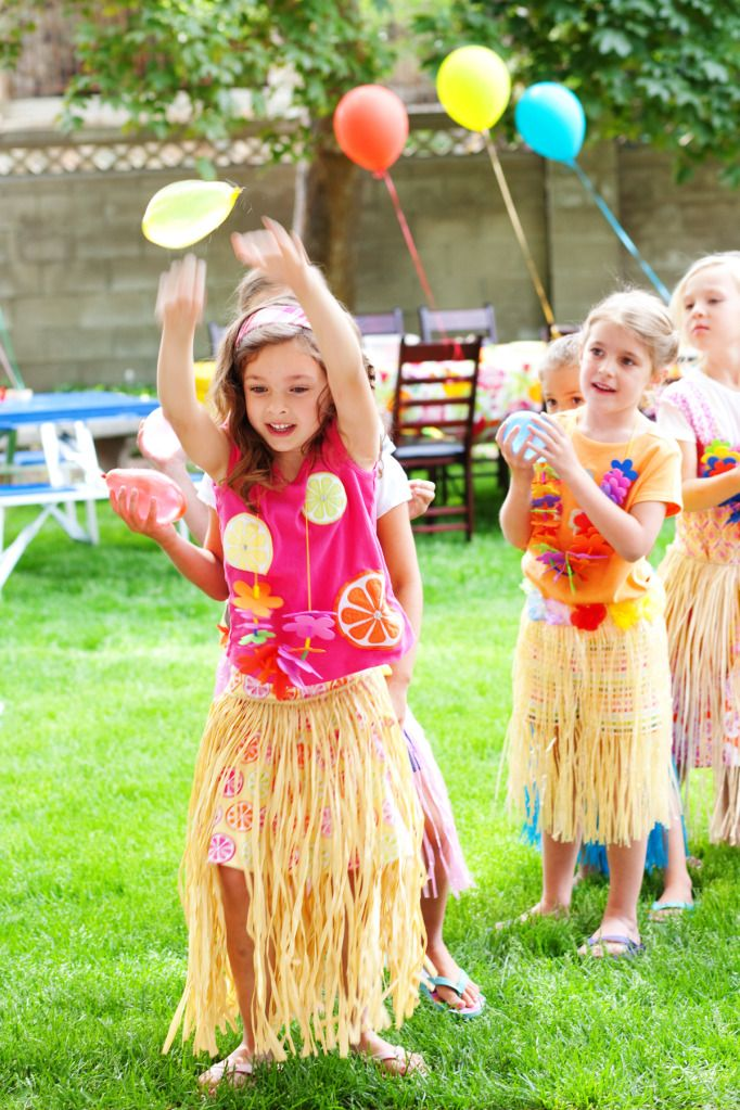 Oooh great summer idea, water balloon game at a luau party.