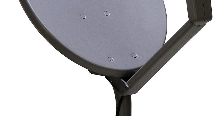 Cómo solucionar problemas en el LNB. El Bloqueador de Bajo Ruido (LNB, por sus siglas en inglés) en tu antena parabólica es la pieza del equipo sobre el plato que recibe la información del satélite en el cielo y lo envía al receptor que está conectado a tu televisor. Si tu LNB va mal, entonces todo el sistema deja de funcionar. Con el fin de asegurarte de que se trate del mal ...