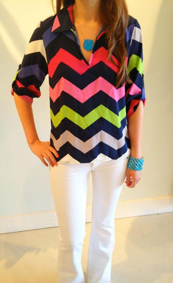Multicolor chevronsZig Zag, Colors Chevron, White Pants, Multicolored Chevron, Chevron Shirts, Chevron Tops, White Jeans, Fun Colors, Chevron Stripes