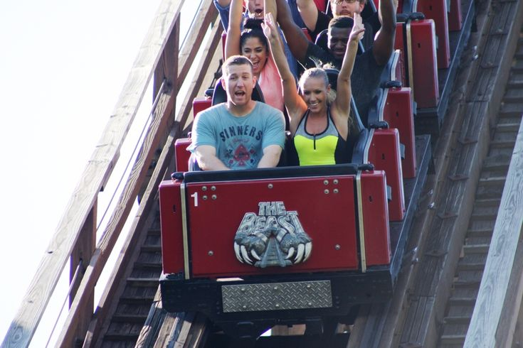 Todd Frazier and Brandon Phillips of the Cincinnati Reds visit #kingsisland and ride The Beast and Diamondback. #mlb #cincinnatireds