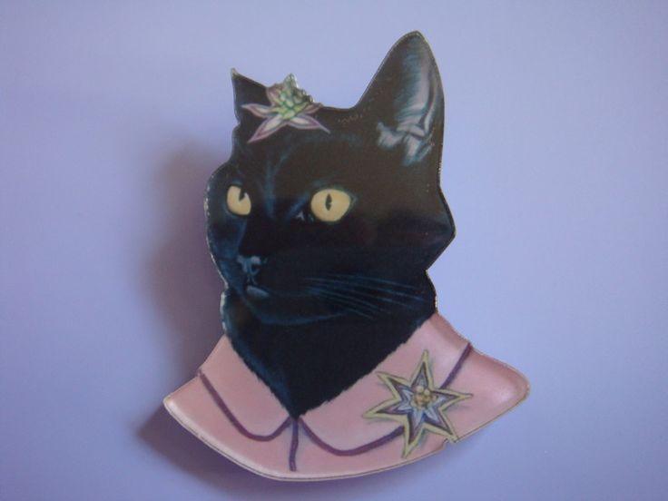 Fancy Cat Brooch by Sanna se winkel for sale on http://hellopretty.co.za