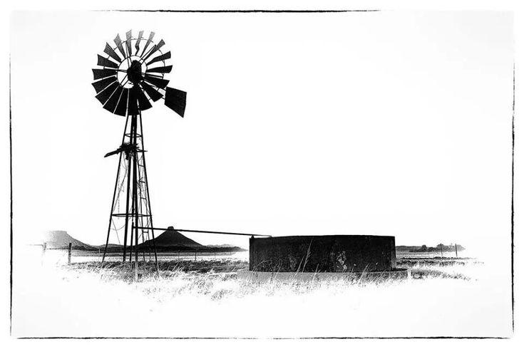 Windpomp black and white