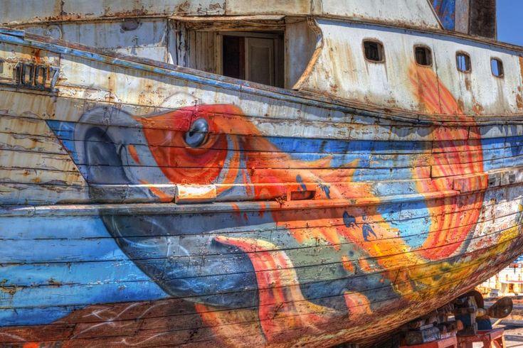 Old boat by Gerrit Kuyvenhoven