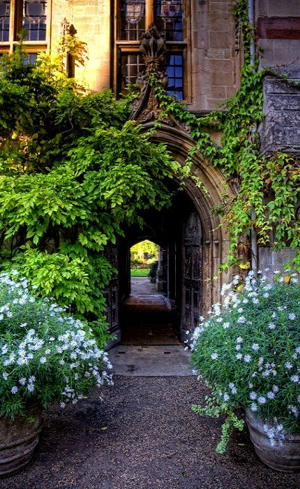 Oxford passageways: The Chapel Passage, Balliol College, Oxford, England