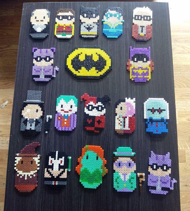 Serie Batman. #hamabeads #hamaperler #hamaart #perlerbead #perlerbeads #perlerbeadart #fusebeads #nabbibeads #pyssla #manualidades #handmade #batman #batgirl #catwoman #robin #joker #harleyquinn #poisonivy #twofaced #mrfreeze #dccomics #scarecrow #blackmask #riddler #penguin#hama #artkal #artkalbeads #perler
