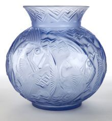 A PIERRE D'AVESN GLASS POISSONS VASE . Pierre d'Avesn,Croismare, France, circa 1930