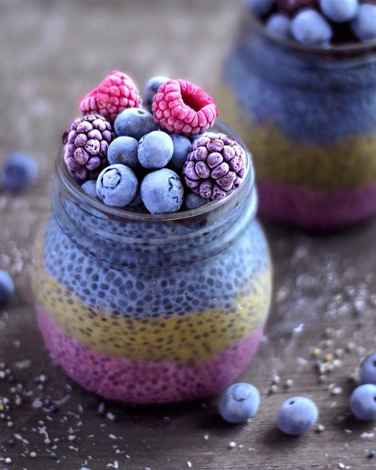 """17.3b Beğenme, 263 Yorum - Instagram'da J o s e (@naturally.jo): """"Layered 'Unicorn' breakfast jars!  These ones are filled with three layers of chia pudding:…"""""""