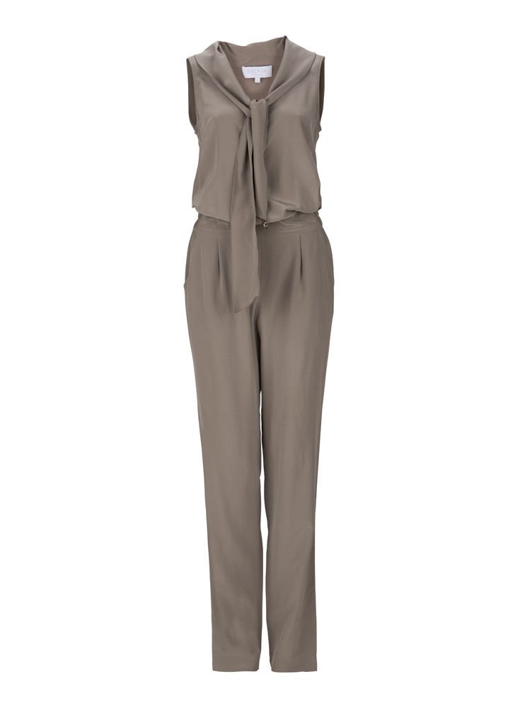 For the perfect elegant summer outift: #Escada #jumpsuit
