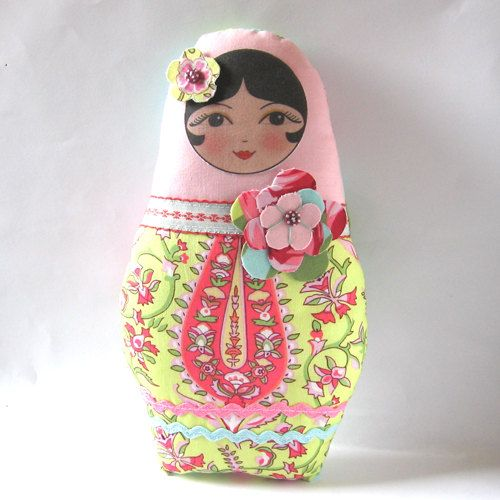Applique SEW IN Russian Matryoshka doll faces - Anoushka doll face set of 4