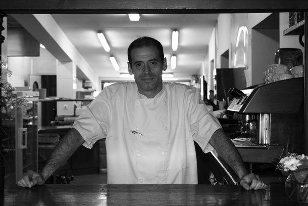 Félix Sarceda. Chef del restaurante La Vieja Bodega. 'La cocción de pescado a baja temperatura está teniendo muy buena aceptación' http://www.spoonful.es/noticia/tendencias/tendencias/'la-coccion-de-pescado-a-baja-temperatura-esta-teniendo-muy-buena-aceptacion'_20140707183803.html