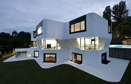 WEB LUXO - Imóveis de luxo: Casa com arquitetura futurista é realidade na Alemanha