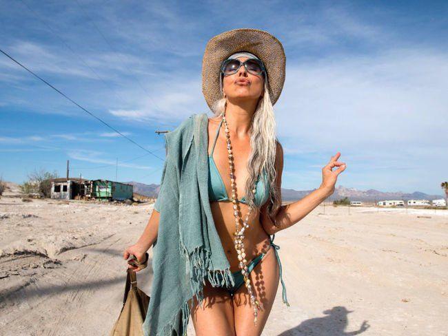 La modella Yazemeenah Rossi apparsa recentemente in una rivista cinese in costume da bagno, ha ampliamente dimostrato che l'età è solo un numero.