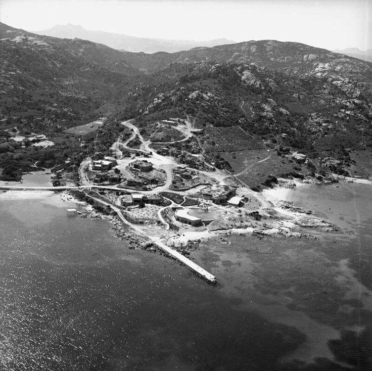 """Le prime costruzioni a """"Monti di Mola"""" anni 60 . Oggi Costa Smeralda- Pitrizza?"""