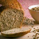 Receita de pão fácil e rápido de fazer, sem precisar sovar ou deixar descansar. Confira