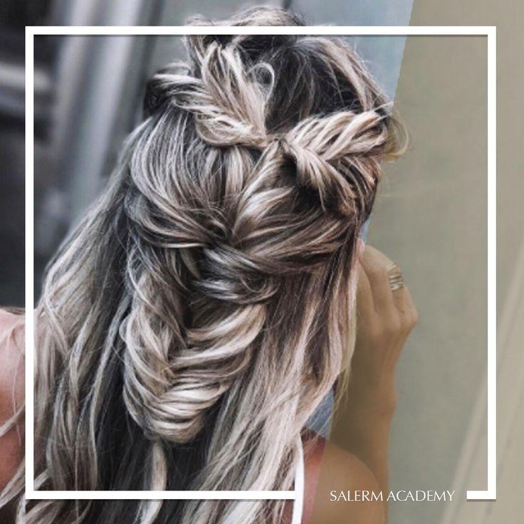 Las trenzas nos encantan ❤️  Sigue las últimas tendencias con un #peinado como éste 😀  Pic : @_thefab3   #SalermAcademy #Hairstyle #Tendencias #Trends #Formacion #Look #Cabello #Trenzas #Braids #Look #Hair