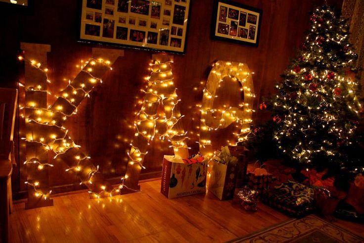 Kappa Alpha Theta, Delta Iota/Puget Sound decorations. #thetaholidays #theta1870