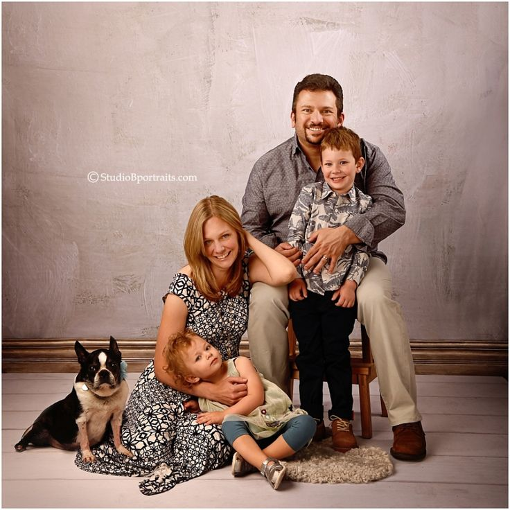 Best 25 Studio Family Portraits Ideas On Pinterest
