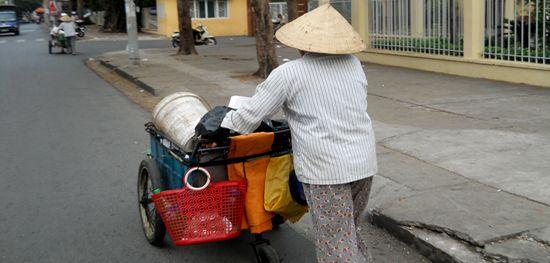 Foreigner : What are the requirements to get a tourist visa in Vietnam? #touristvisa #hochiminhcity #vietnam