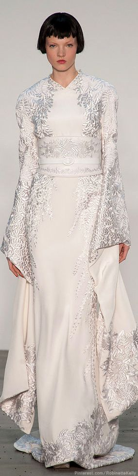 L'Wren Scott | S/S 2014 - Spectacular. On the right person at the right time, this would make for a fabulous wedding gown.
