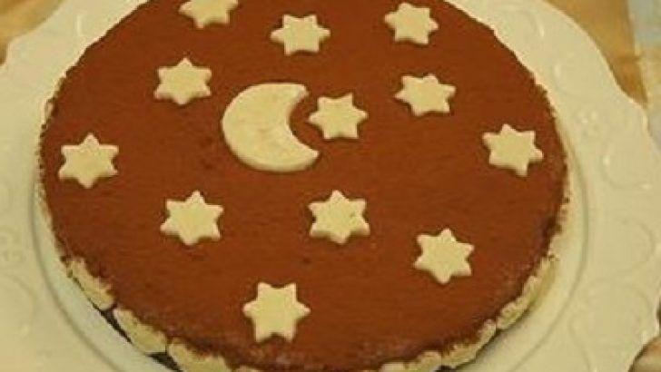 Badem Ezmesi Süslemeli Çikolatalı Pasta Tarifi