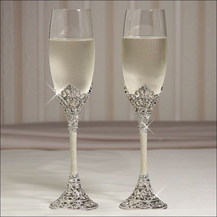 17 Best Ideas About Wedding Champagne Flutes On Pinterest