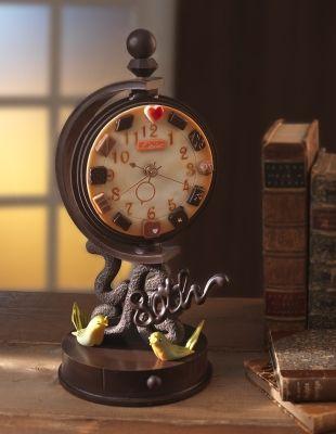チョコでできた、レトロでかわいい時計が登場