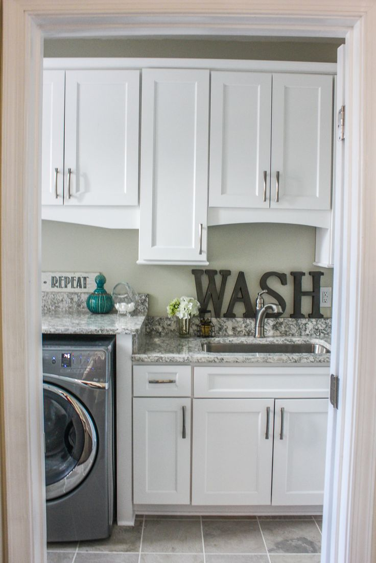 Wolf Classic Cabinets York In White