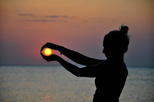 Cool #sunset photo!: Buckets Lists, Hands, Silhouette, Summer Pictures, Perspective Photography, Sunsets Pictures, Coastal Living, Cool Photo, Beaches Sunsets