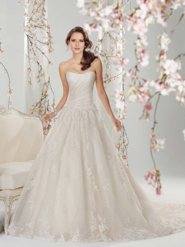 18 best stunning princess wedding dresses for the beautiful beautiful princess wedding dresses 2 junglespirit Image collections