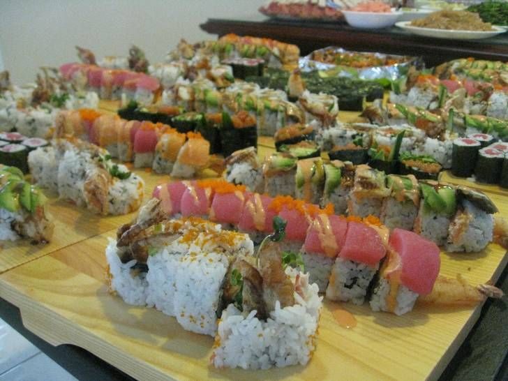 My relatives are sushi chefs so whenever there's a family gathering, SUSHI…