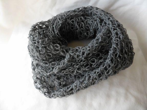 Heklet sjal, grått